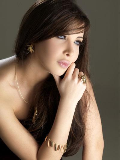 http://3.bp.blogspot.com/-x_oSeKYM2UI/TlkA6yY9AgI/AAAAAAAAAhQ/lxyY6lVIGCA/s1600/beautiful-arabic-girl-994ddf.jpg
