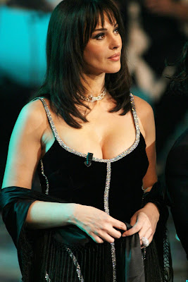 Monica Bellucci hot in award night