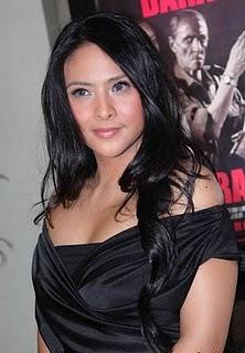 celeb singer Audy bra 34 e size