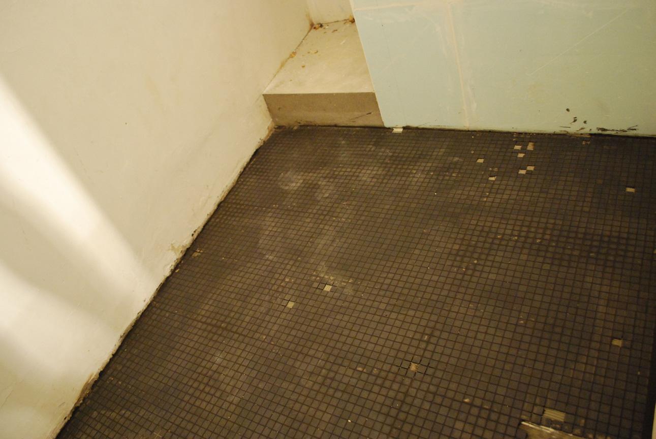 Semaine 4 du blanc du gris du bleu sibylle for Salle de bain blanc gris bleu
