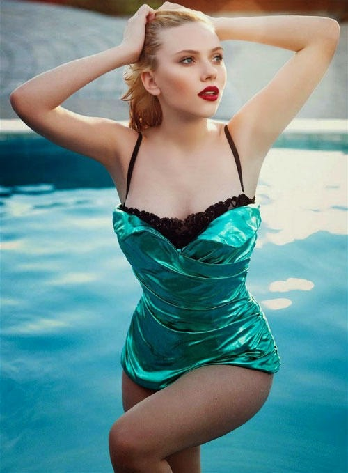 Body swallowing dropping glamor of Scarlett Johansson