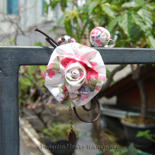 gelang bunga kain