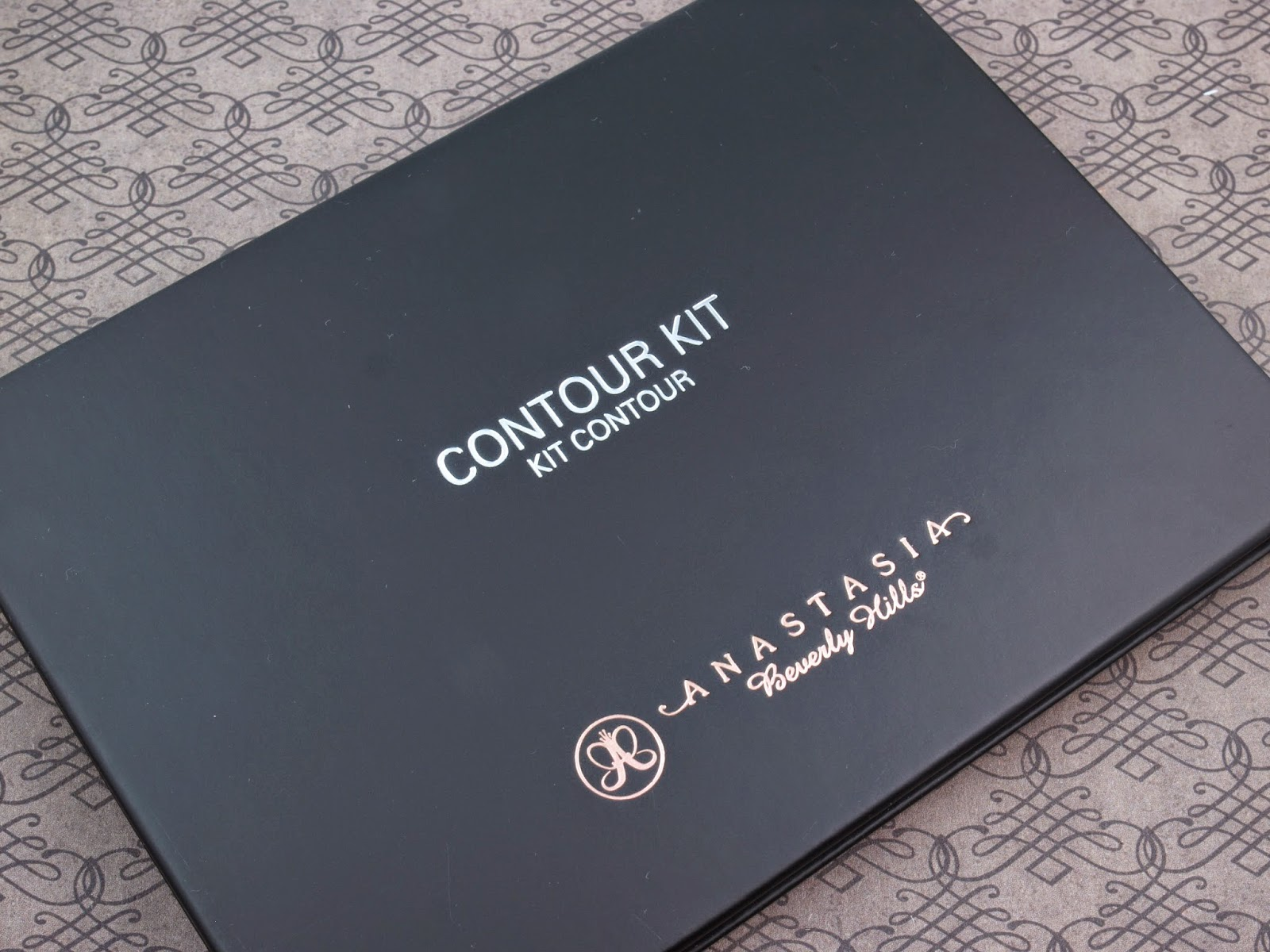 Anastasia Beverly Hills Contour Kit: Review and Swatches