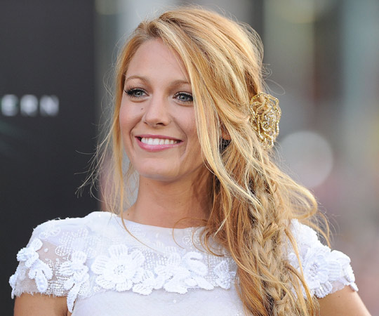 WITHOUT MAKEUP CELEBRITIES: Blake Lively Without Makeup Pictures 2013