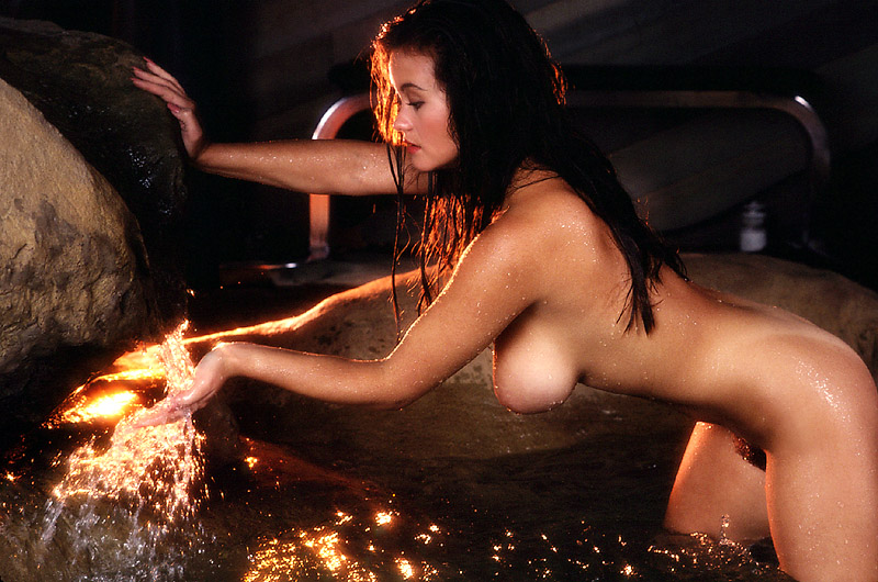 Suki Waterhouse Nude Leaked 83 Photos - TheFappening