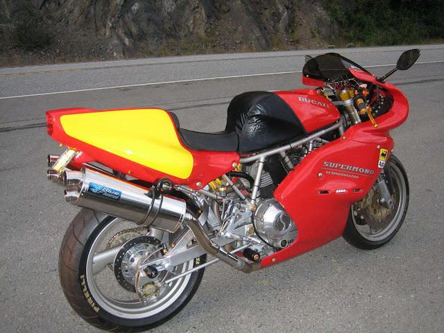ducati 900SS / Supermono ?? Ducati+900SS+CR+Supermono+Conversion_1