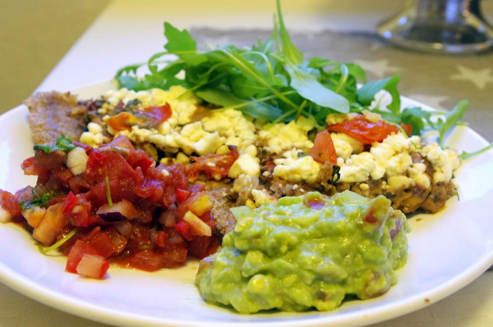 Tacopai med guacamole og tomatsalsa