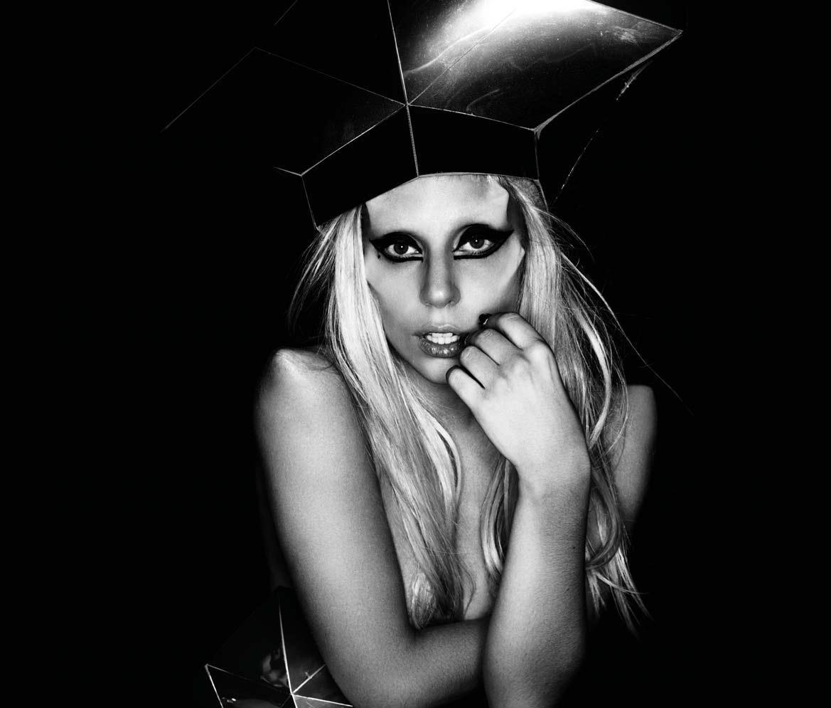 http://3.bp.blogspot.com/-xadrHmB3gxs/TiEKtetO_SI/AAAAAAAABO0/1TPgCHU2xH8/s1600/Lady-Gaga-Nick-Knight-Born-This-Way-Promo-5.jpg