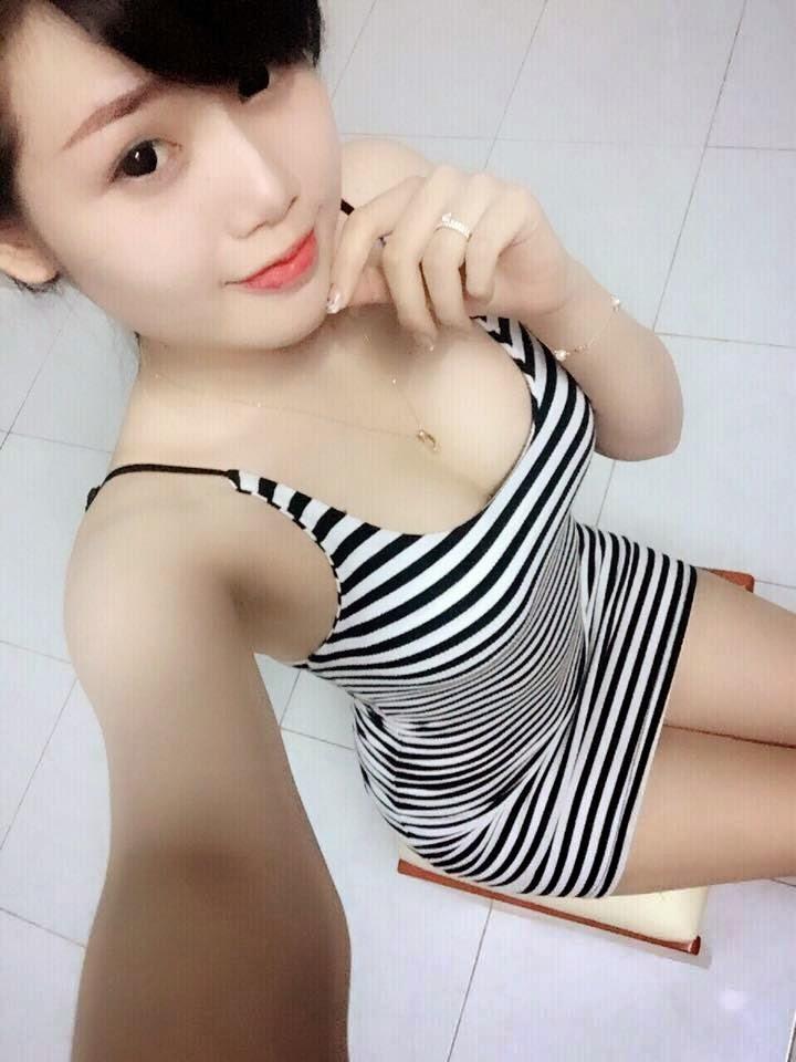 Girl 10x khoe vong 1
