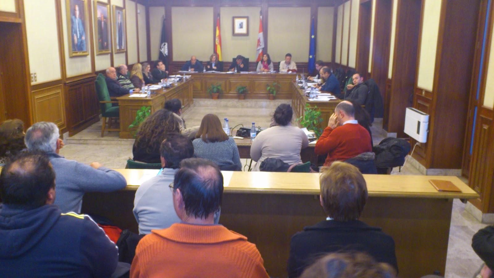 pleno en el ayuntamiento de Béjar