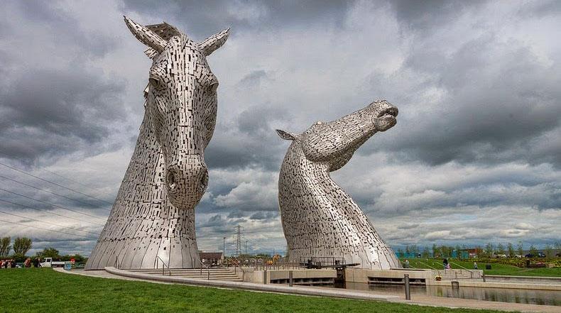 Los Kelpies: gigantes Esculturas de caballo en Falkrik