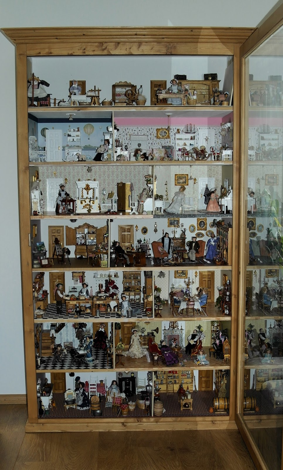 All about dollhouses and miniatures printables om kaarten for Groot poppenhuis