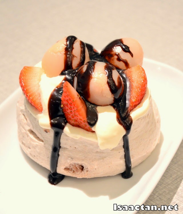 #5 Strawberry, Hazelnut & Lychee Pavlova with Chocolate Sauce - RM13.90