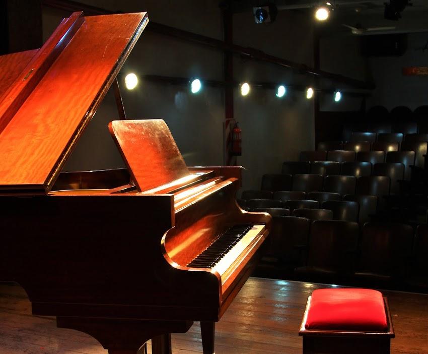 Sala equipada para conciertos