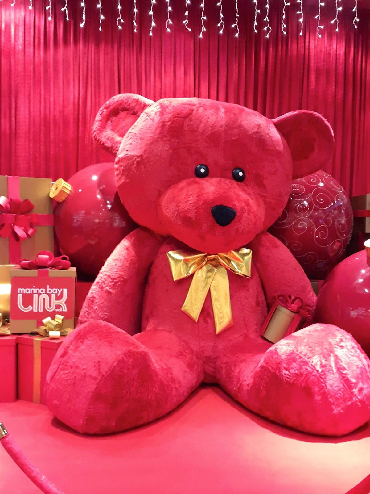 Marina Bay Link Mall Red Teddy Bear Christmas 2014 Singapore