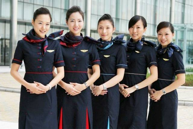 how to become an airline stewardess in canada