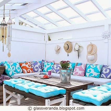 Slik bygger du et sofabenkhjørne med oppbevaringsplass for puter