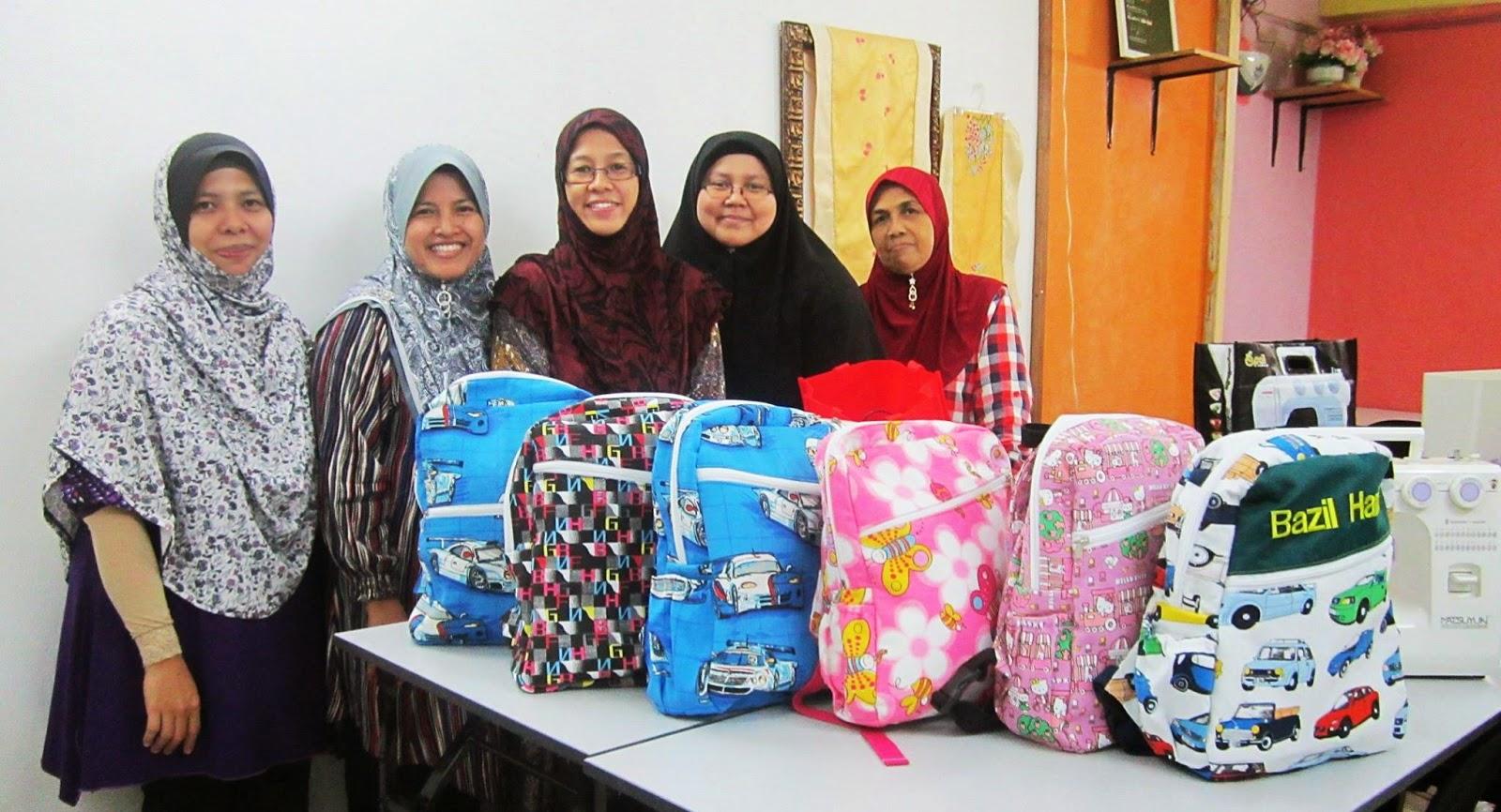 Kraf Seni Jahitan & Sulaman : Cik Azue dan Kerjaya WAHM