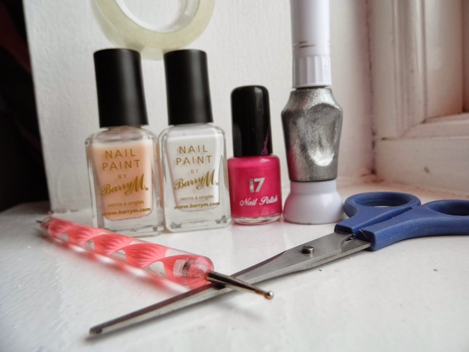 Girly things and other stuff cute girly nails for beginners a silver nail art pen or one that has a thin brush you will also need a dotting tool or an alternative see other tutorials tape and scissors prinsesfo Image collections