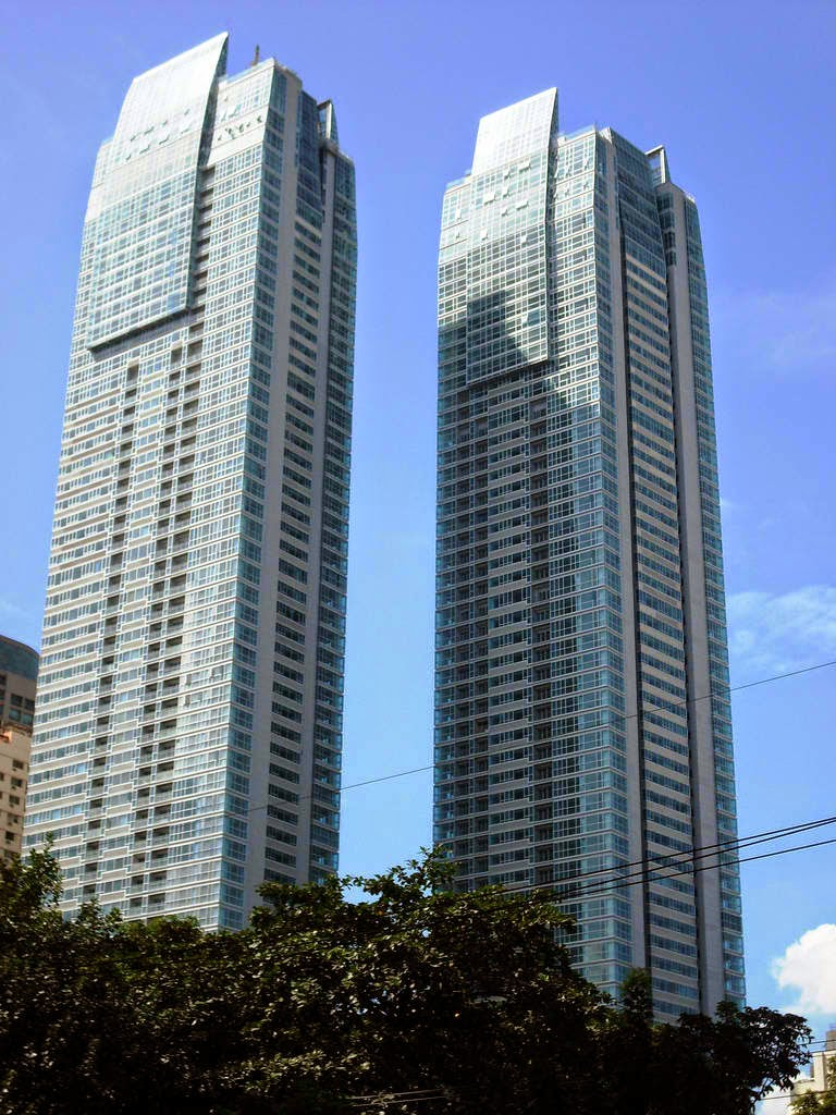 St. Francis Towers, Mandaluyong City