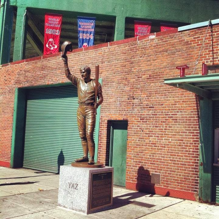 Yaz+statue+at+Fenway.jpg