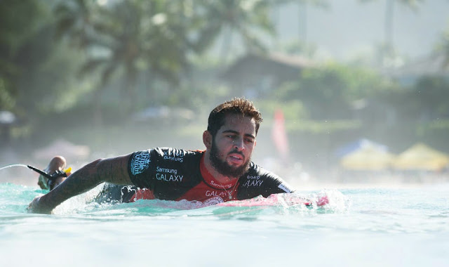 27 Billabong Pipe Masters 2014 Billy Kemper Foto ASP