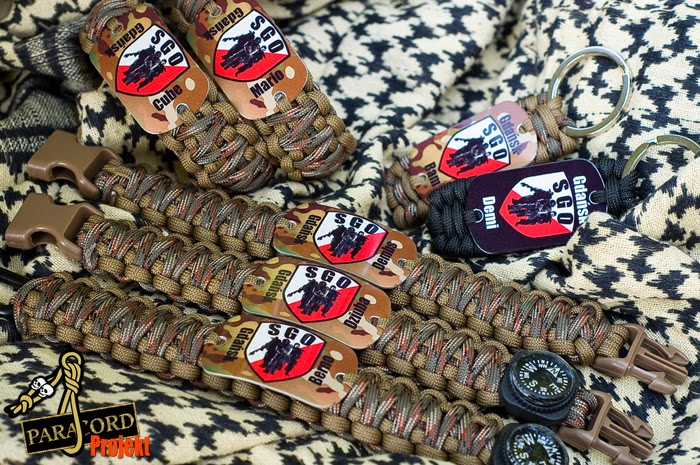 Bransoletki KING COBRA z grafiką w kolorze 30x50mm - INDYWIDUALNE LOGO z ksywą