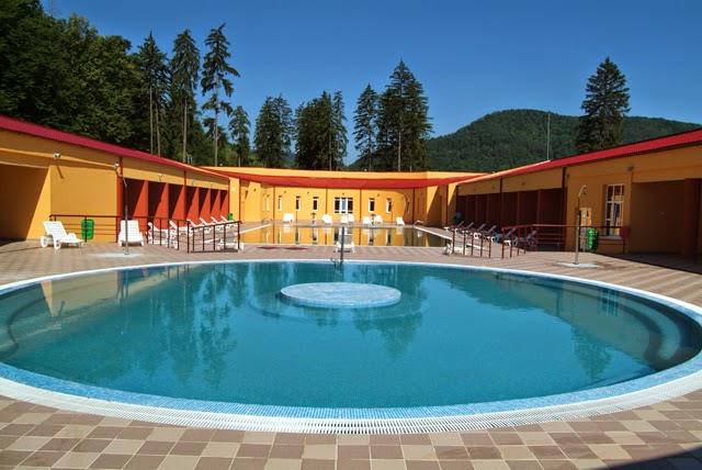 Inima bac ului piscine si bazine din bacau for Pool baumax