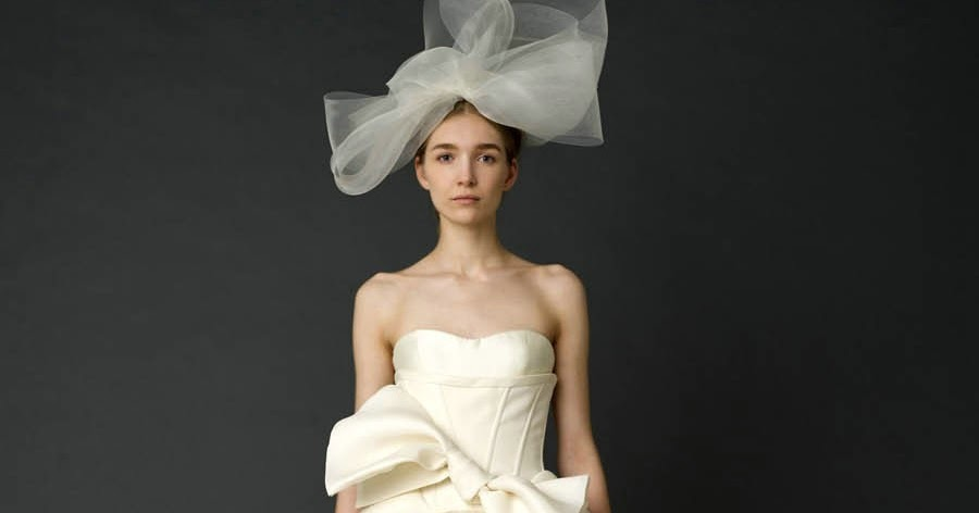 Blak hand side the problem with wedding dresses for Off the rack wedding dresses near me