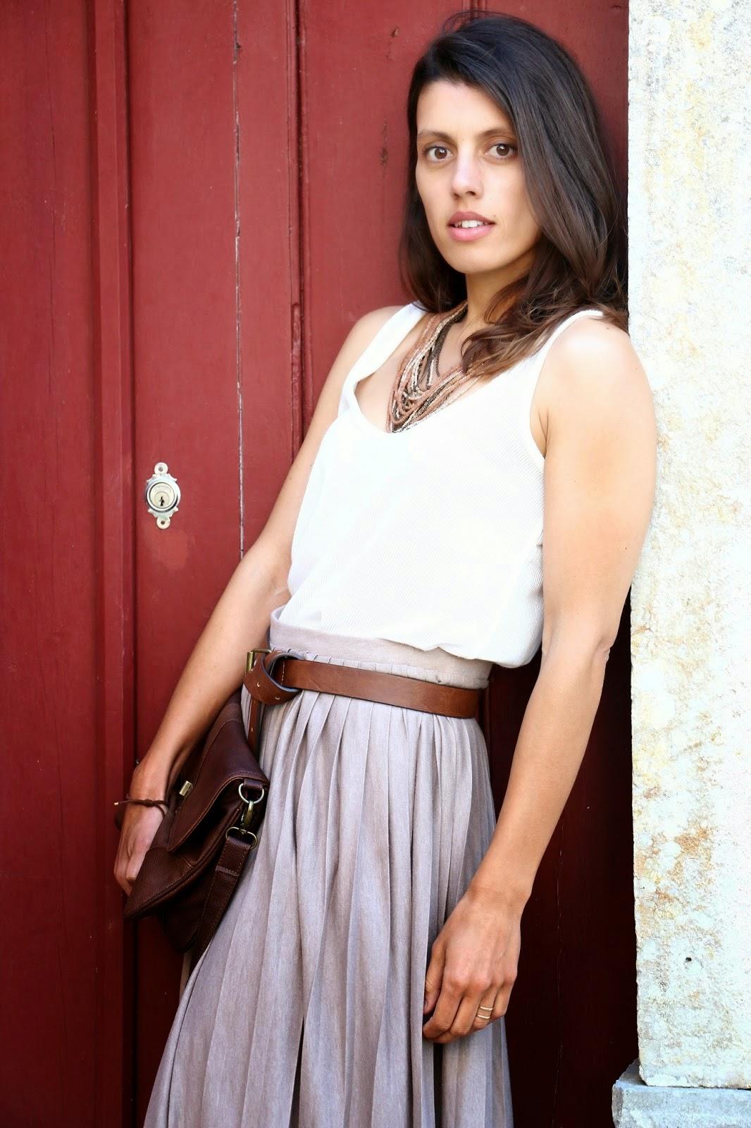 http://ilovefitametrica.blogspot.pt/2014/08/long-skirt.html