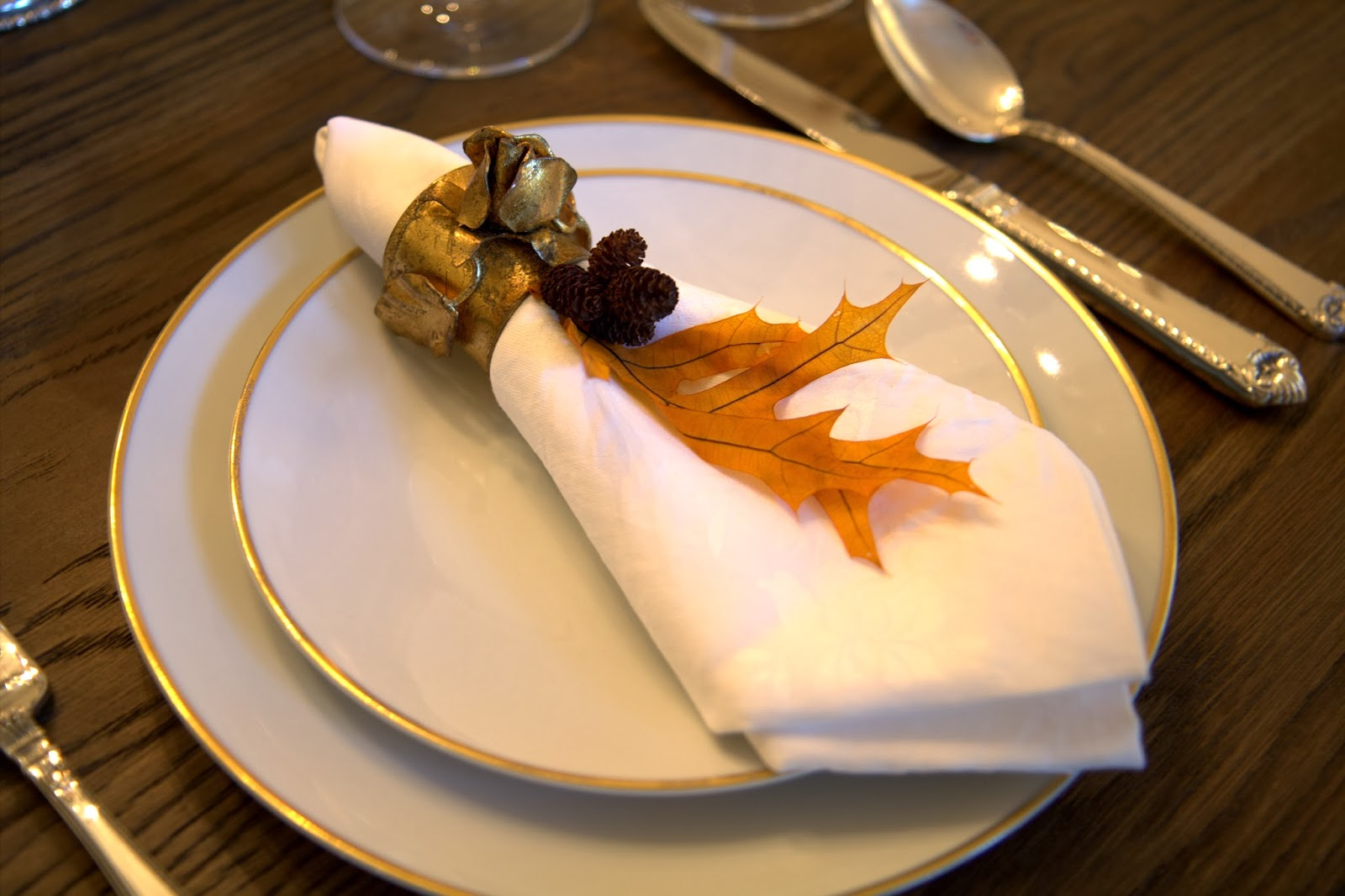 Fall Place Setting and Napkin with Leaf