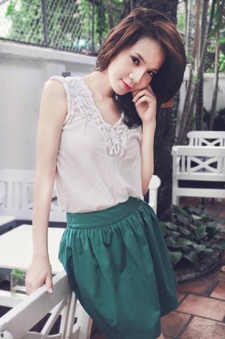 Vietnamese Model  Ngoc Bich in the flower garden