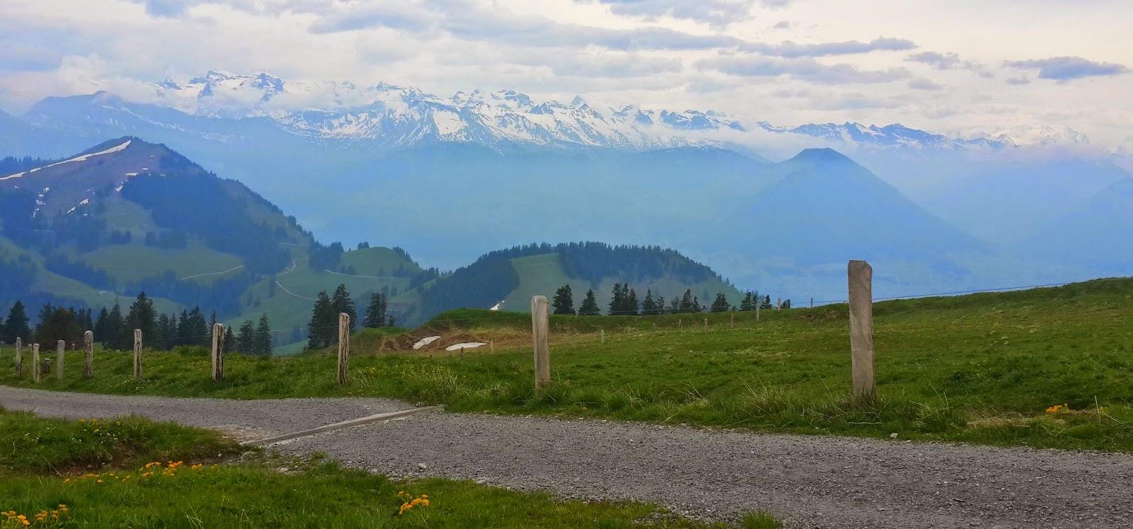 hiking trails in switzerland