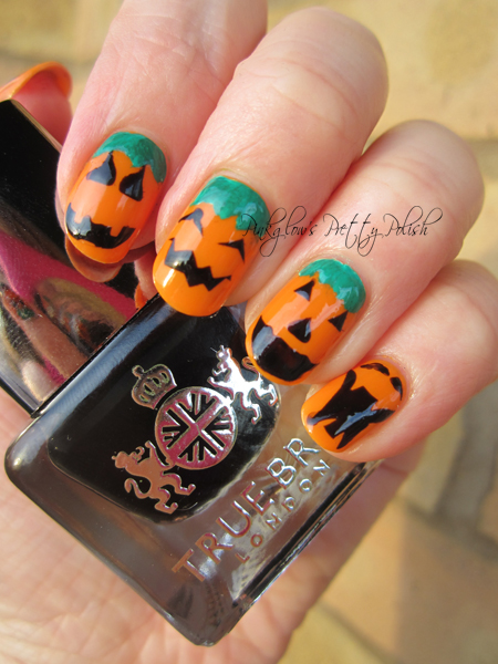 Halloween-pumpkin-nail-art.jpg
