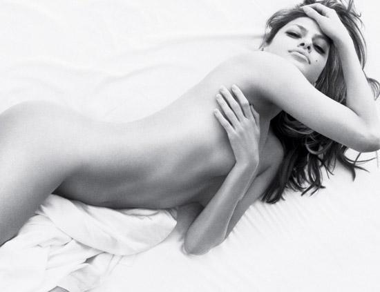 Eva Mendes Desnuda