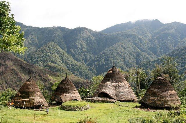 IKAMARSTA: Manggarai Timur: Masyarakat Adat dan Pembangunan