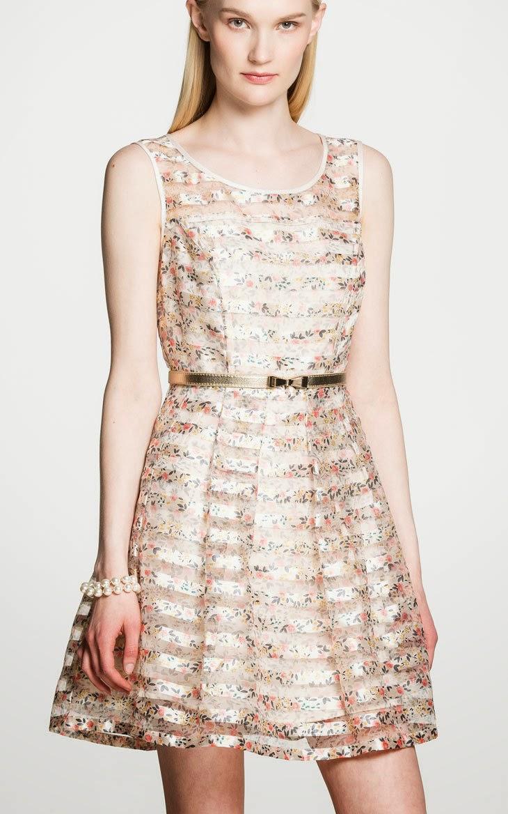 model pakaian wanita feminin