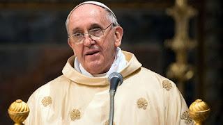 Angelus: Papa reza por cristãos perseguidos