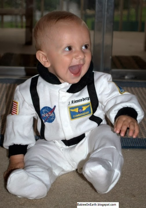 BABY ASTRONOUT
