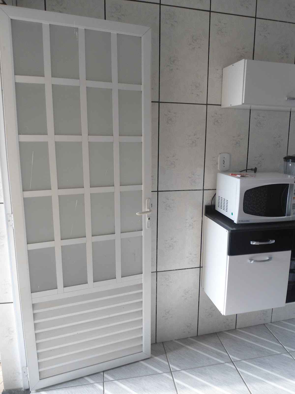 EXCELENTE IMOVÉL Parque São José Belford Roxo: Copa Cozinha #5D646E 1200x1600 Banheiro Azulejo Ate O Teto