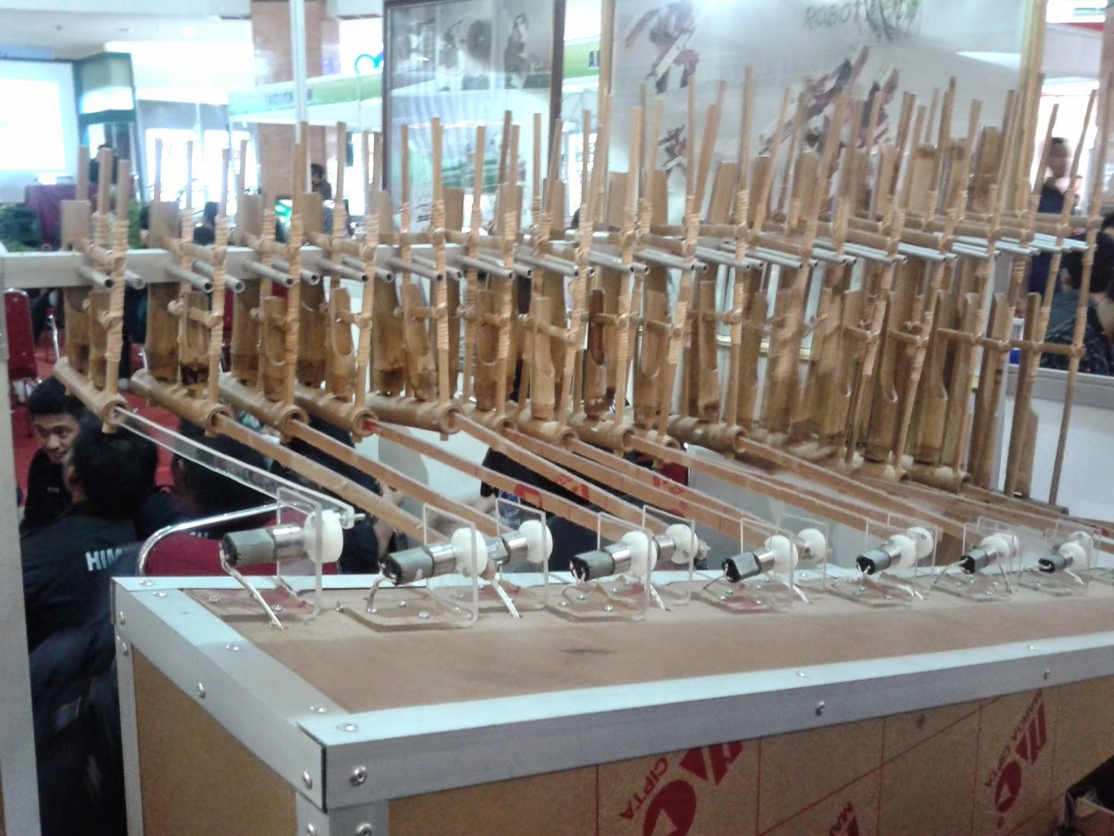 Robot-Angklung-Kicauan-Vina-PCR-EduExpo