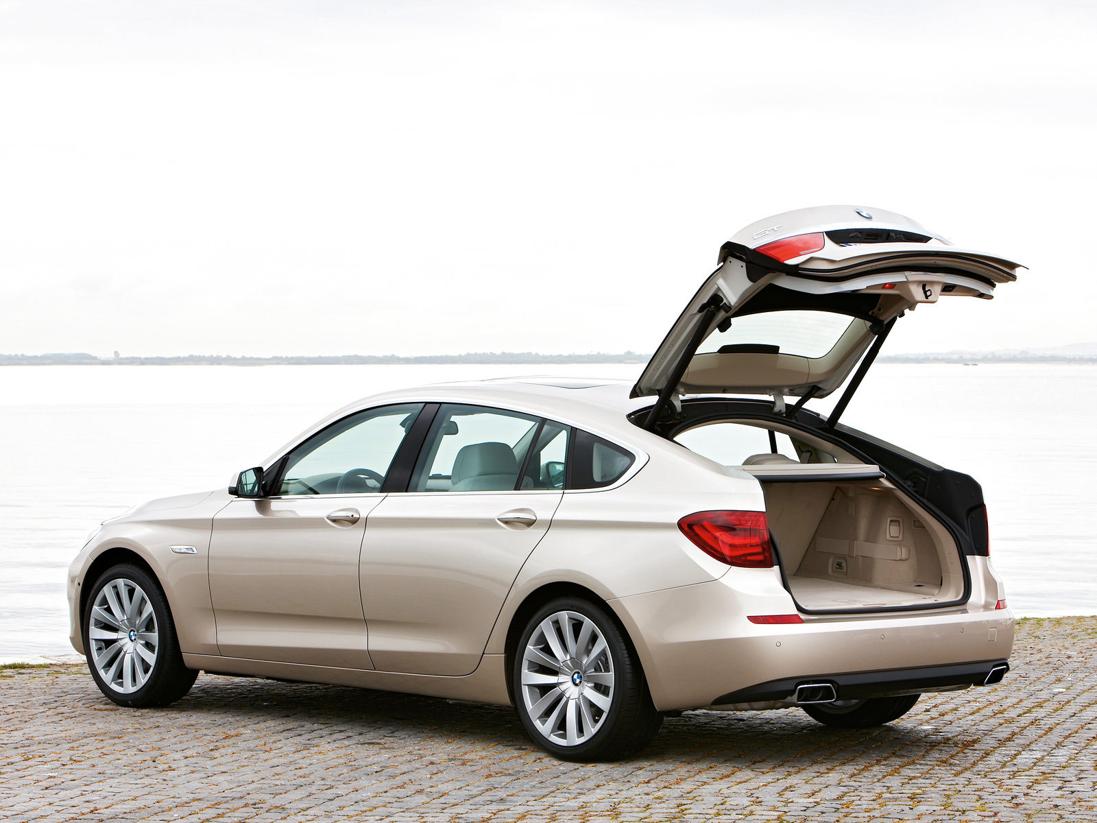 2010 bmw 5 series gran turismo accident lawyers info. Black Bedroom Furniture Sets. Home Design Ideas