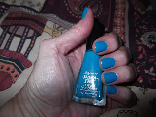 Sally Hansen Brisk blue