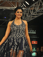 Vimala Raman latest Ramp walk photos-cover-photo