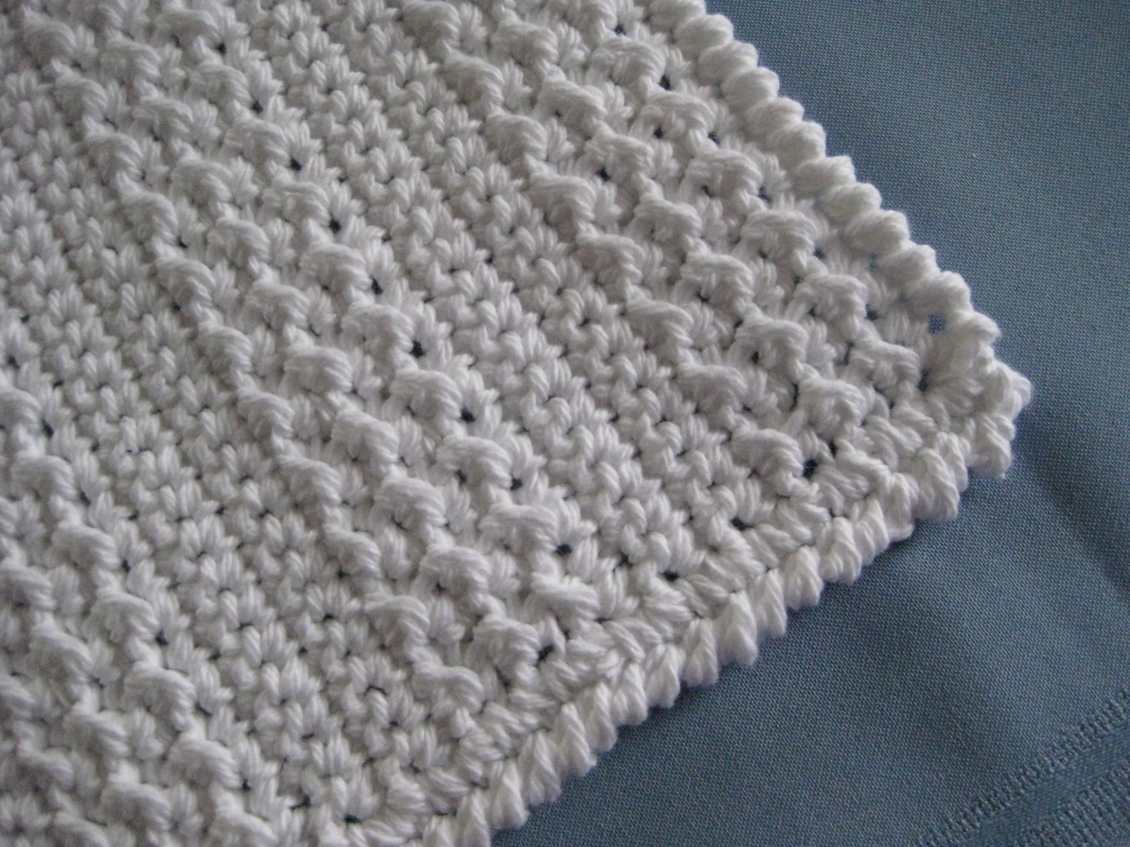 textured stripes dishcloth pattern by kiel lemon free pattern found