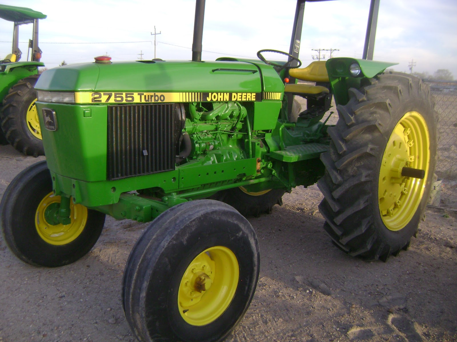 Maquinaria Agricola Industrial  Tractor John Deere 2755 Turbo  17 000 Dlls