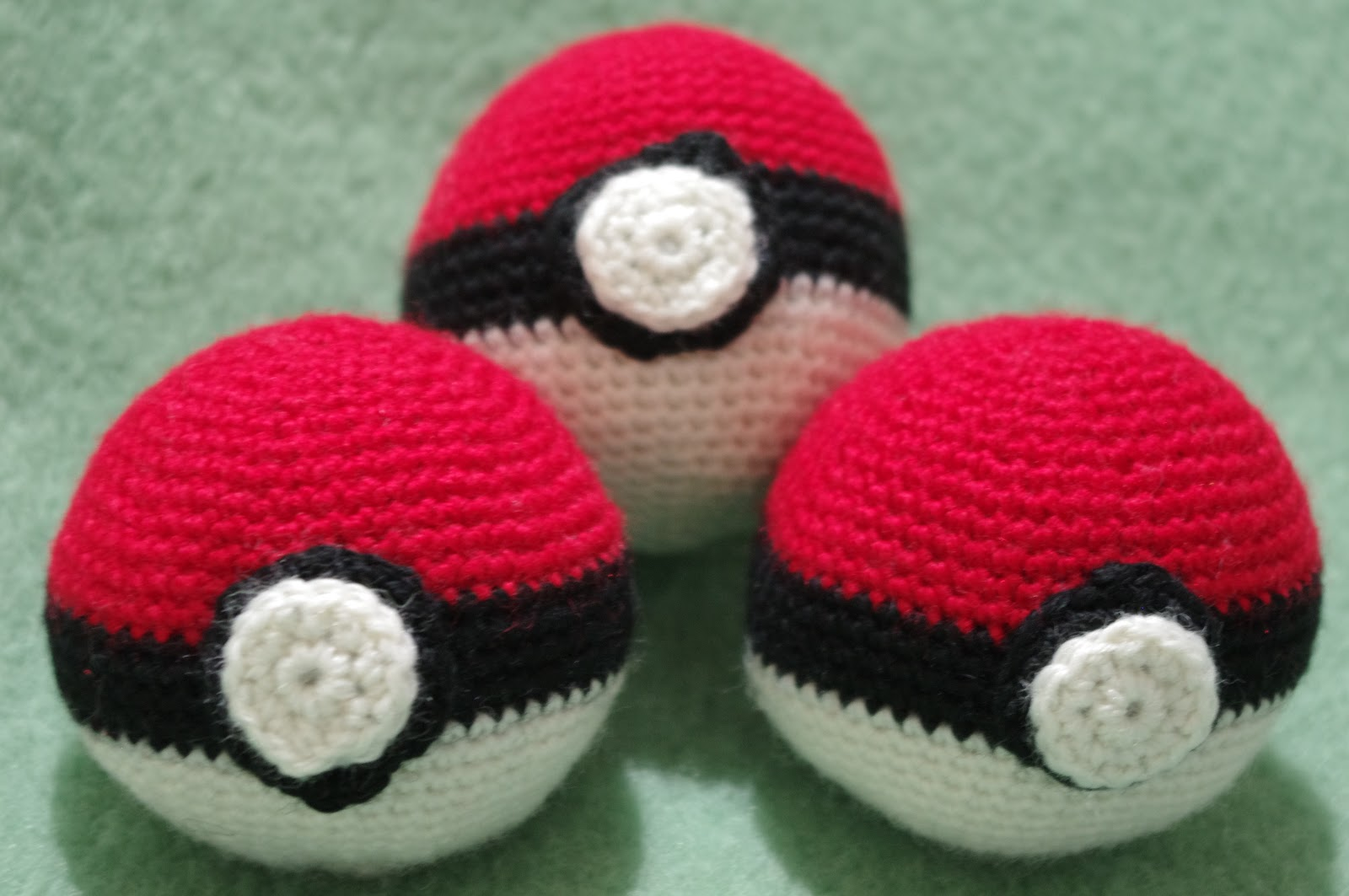 Pokeball Amigurumi : Froda Creazioni: Amigurumi: Pokeball