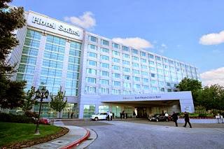 Bagian Depan Sofitel Hotel