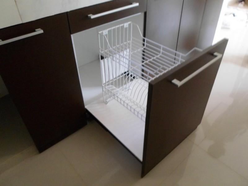 Kitchen Set Lurus Minimalis Sekat Ruang Tamu Bentuk Sirip