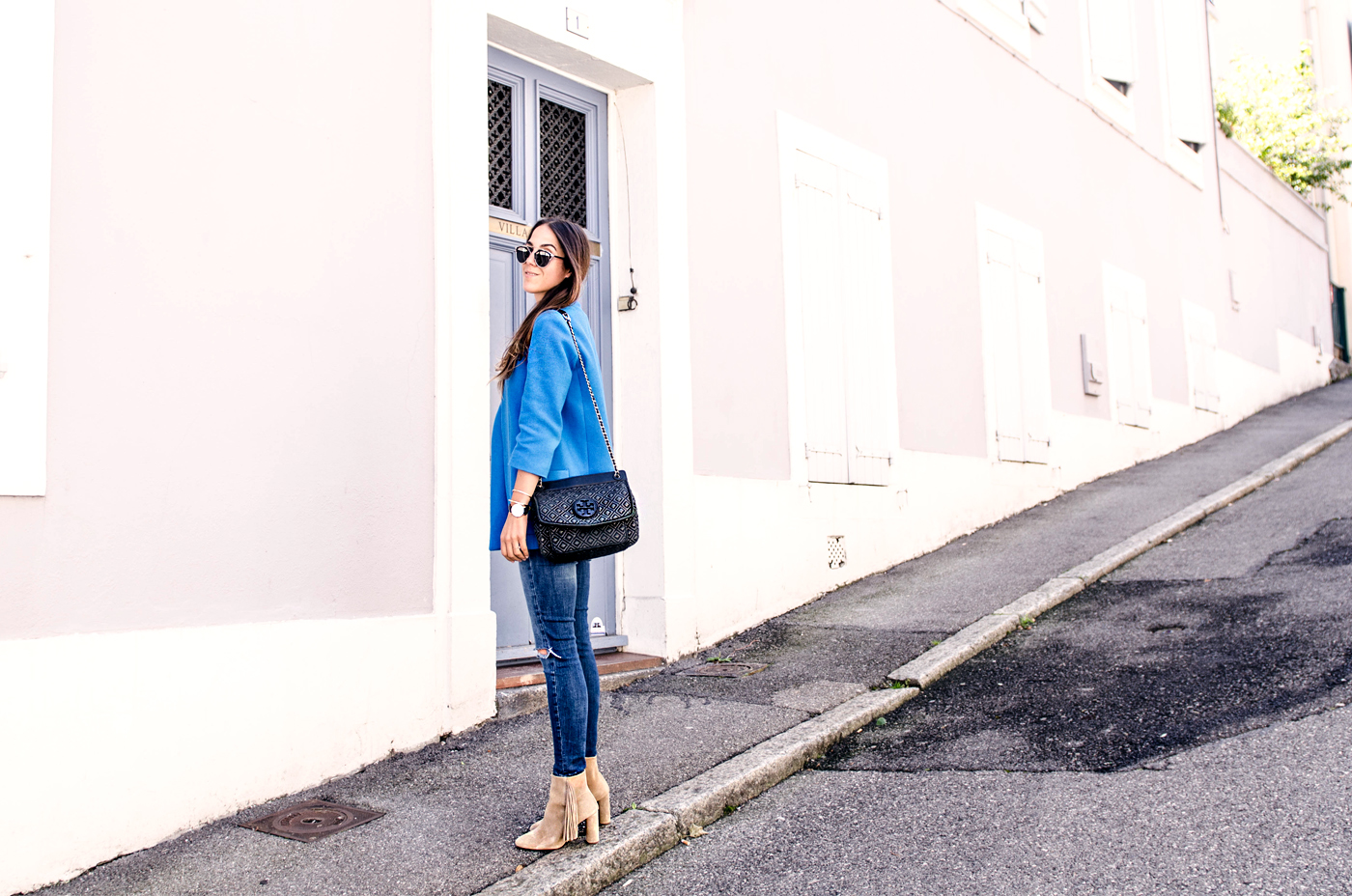 alison liaudat, blog mode suisse, swiss fashion blogger, fashion blog suisse, swiss blogger, dior so real, blue blazer, zara, zalando boots, fringe boots